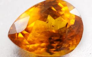 Бастнезит – история, полезные свойства и описание камня
