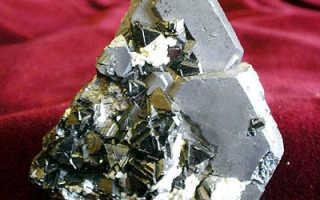 Галенит – история, полезные свойства и описание камня