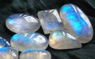 Святочный камень – беломорит
