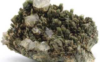 Геденбергит – история, полезные свойства и описание камня